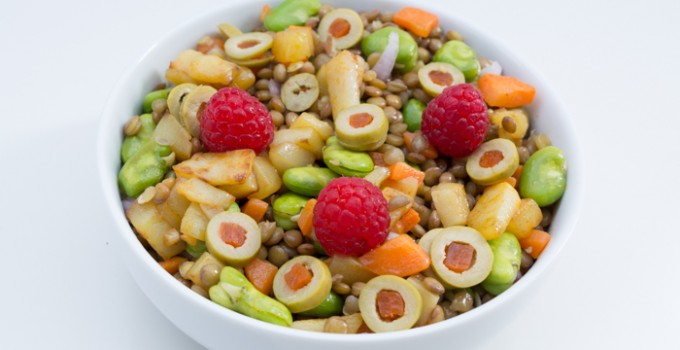 Lentils and raspberries salad