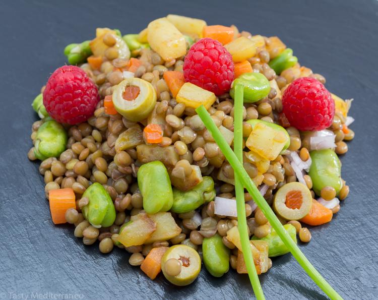 Tasty-mediterraneo-lentils-raspberry-salad-recipe-vegan-meal