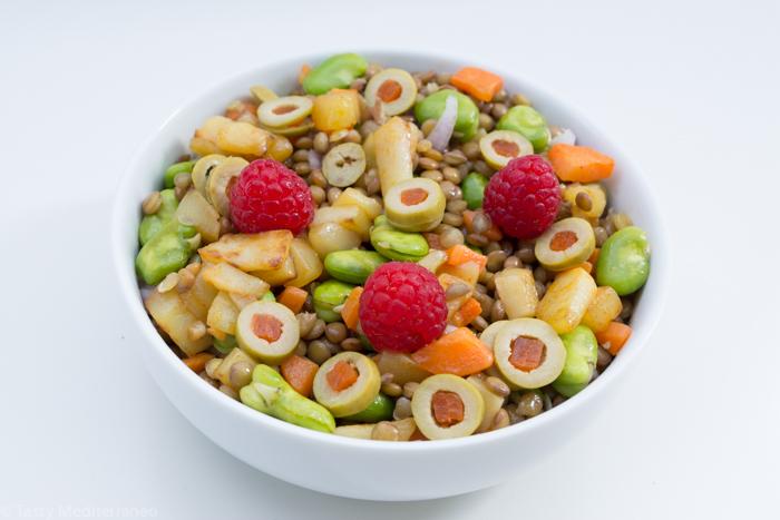 Tasty-mediterraneo-lentils-raspberry-salad-recipe-vegan