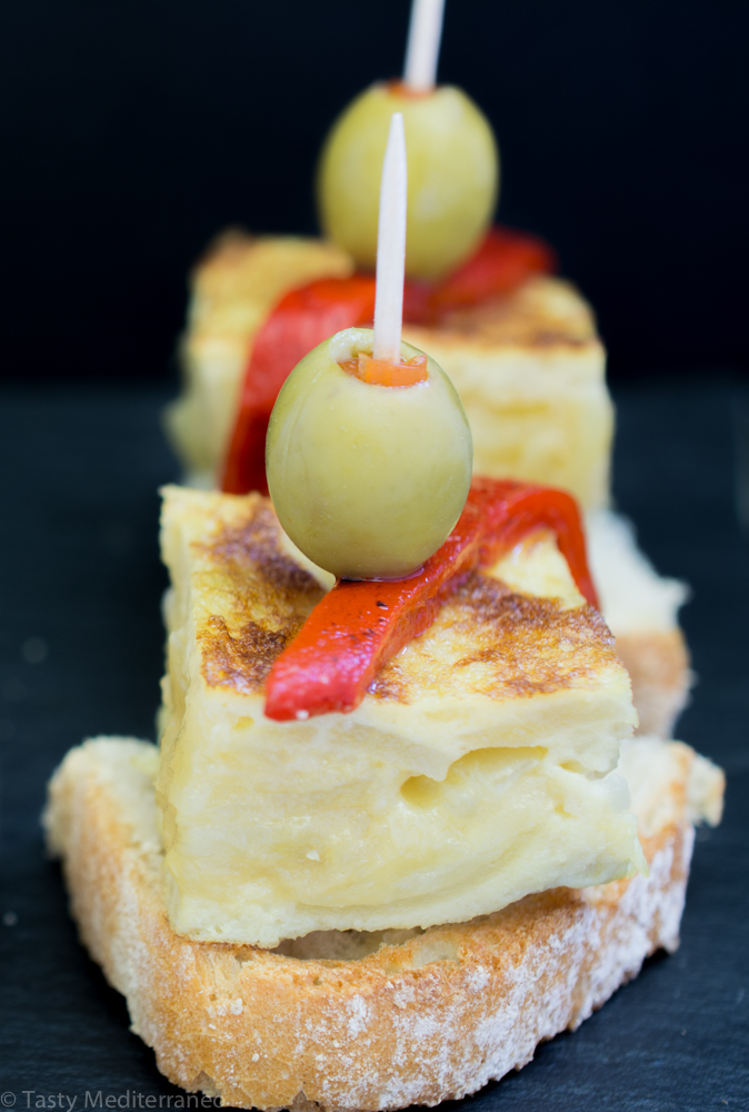 Tasty-mediterraneo-spanish-omelette-tortilla-patatas-recipe-vegetarian-gluten-free-pinchos