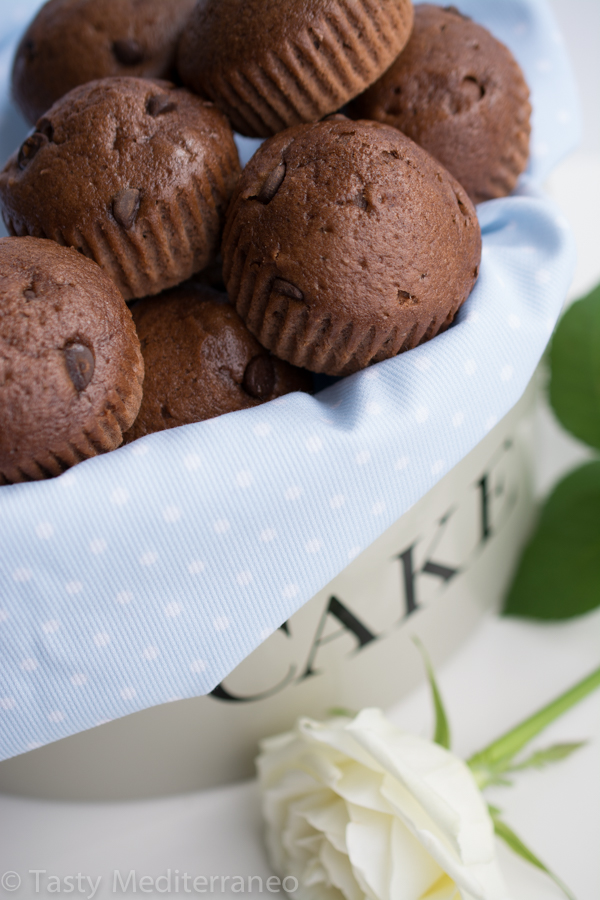 tasty-mediterraneo-chocolate-almond-milk-muffins-easy-recipe