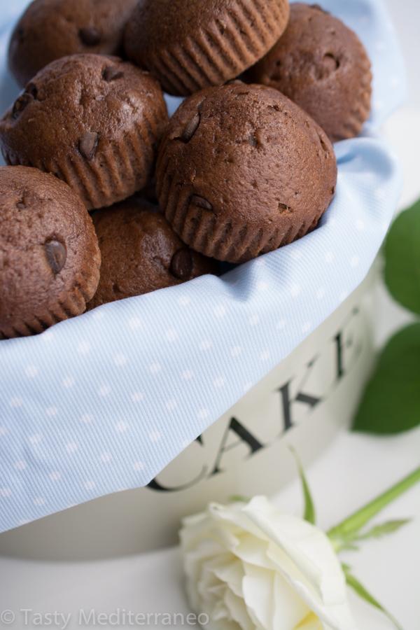 tasty-mediterraneo-chocolate-almond-milk-muffins-easy-recipe