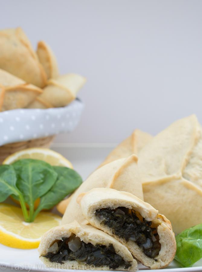 tasty-mediterraneo-fatayers-spinach-vegan-easy-healthy-recipe-appetizer-starter