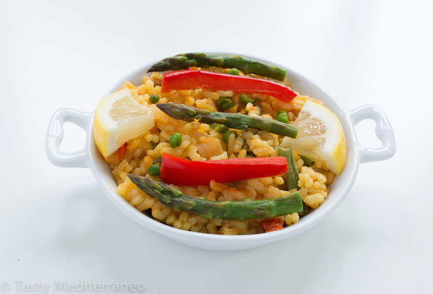 tasty-mediterraneo-vegetarian-paella-vegan-main-dish-healthy-recipe-1