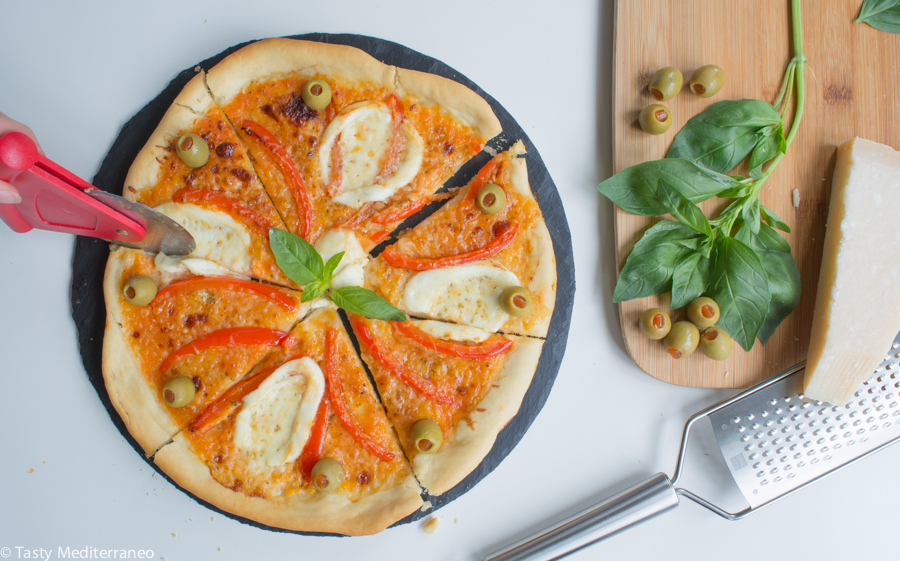 tasty-mediterraneo-pizza-peppers