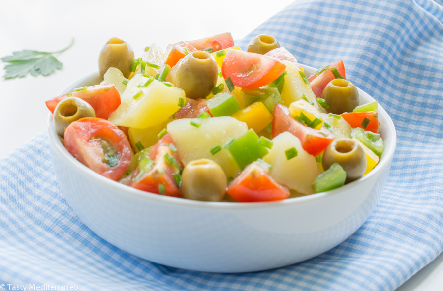 tasty-mediterraneo-potato-olives-salad