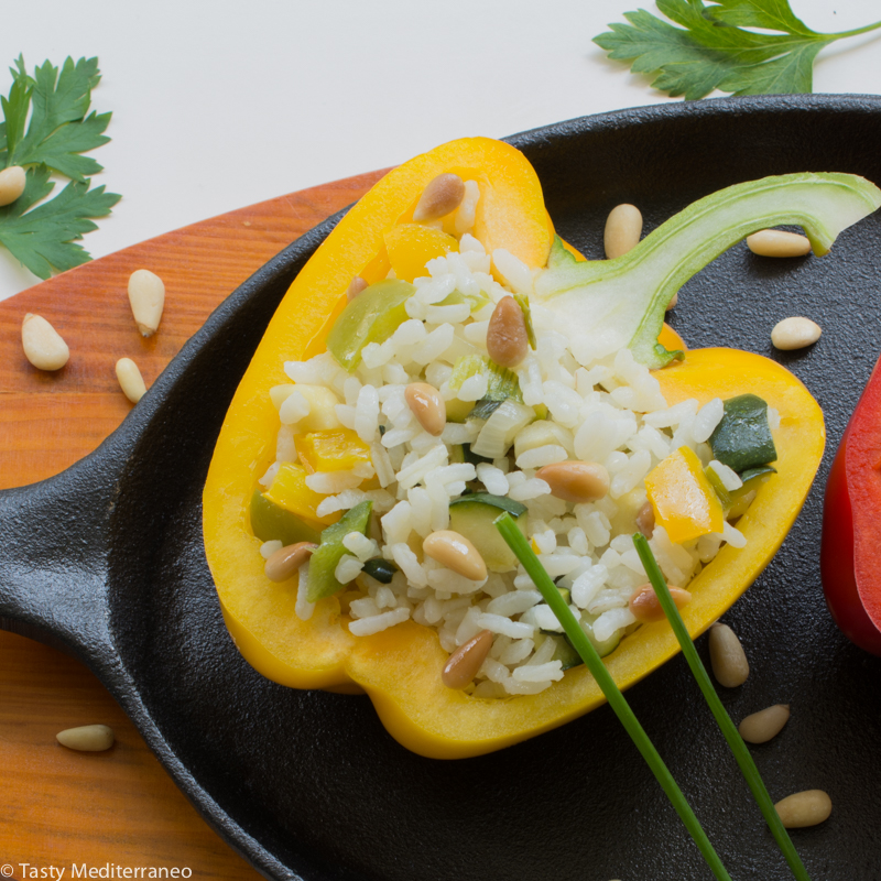 tasty-mediterraneo-rice-stuffed-peppers