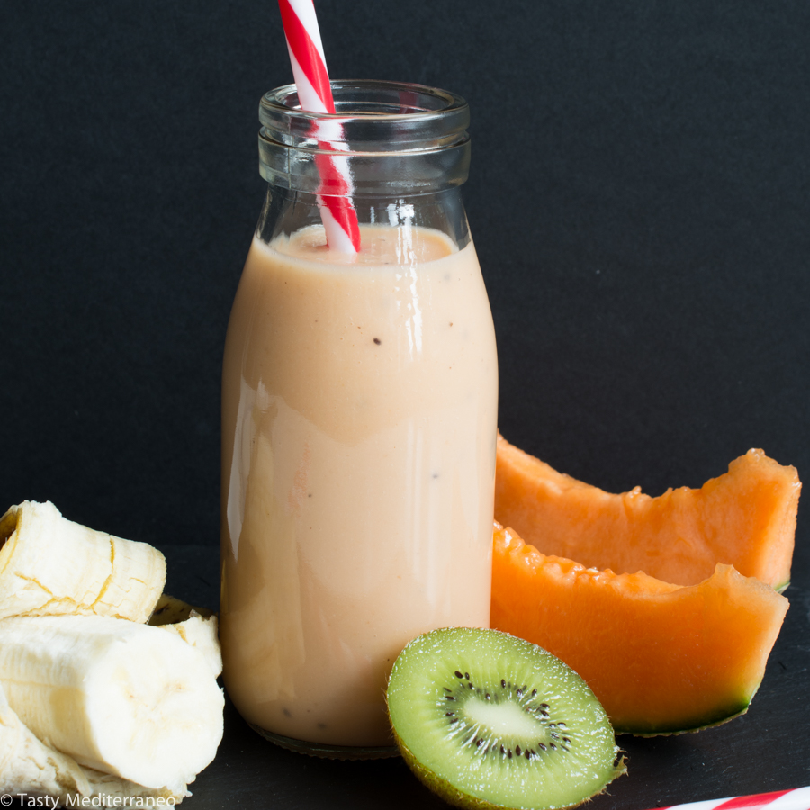 tasty-mediterraneo-smoothie-melon-kiwi-recipe