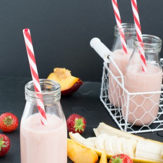 Strawberries, Banana & Nectarine Smoothie