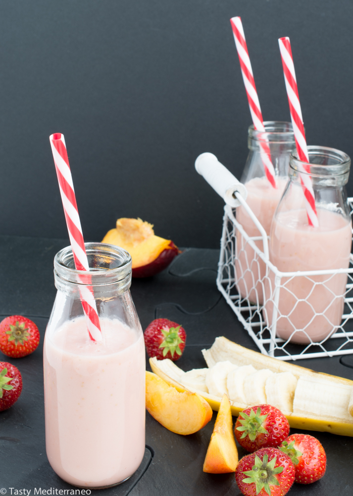 tasty-mediterraneo-strawberry-banana-nectarine-smoothie