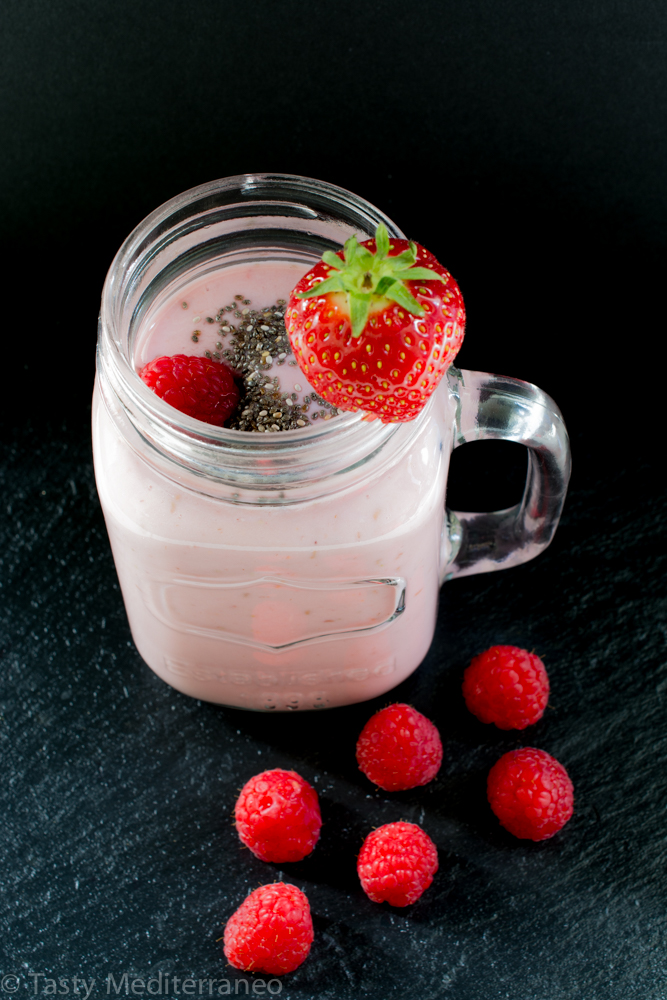 tasty-mediterraneo-vegan-raspberry-oats-chia-smoothie