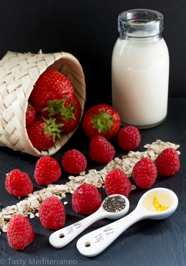 tasty-mediterraneo-vegan-strawberry-chia-smoothie