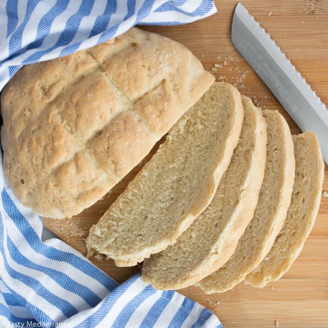 Tasty-mediterraneo-mediterranean-country-yeast-bread