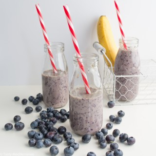 Blueberry & banana smoothie