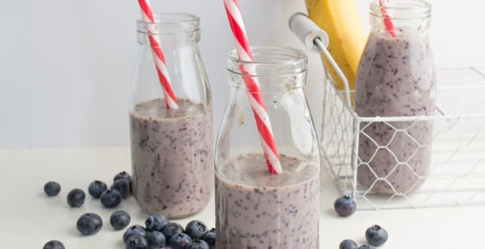 Blueberries & banana smoothie