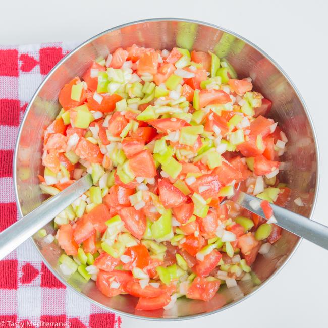 tasty-mediterraneo-mediterranean-salad-trampo