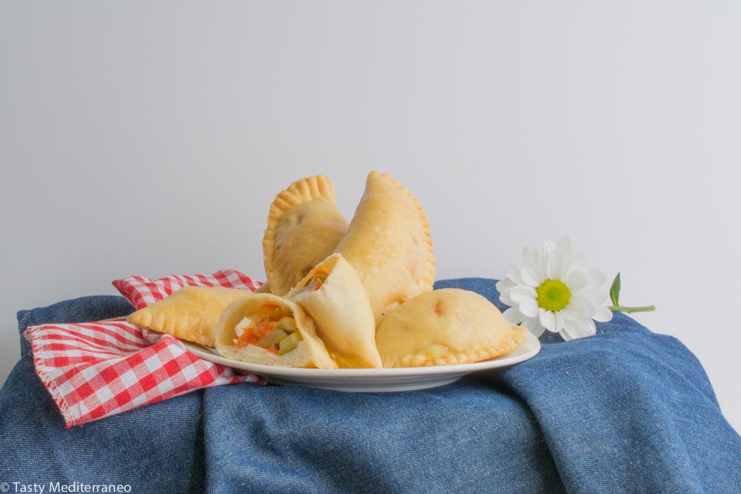 Tasty-mediterraneo-Spanish-empanadillas-pisto