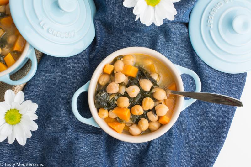 Tasty-mediterraneo-spanish-chickpeas-spinach-stew
