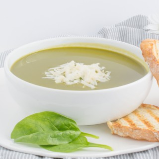 Spinach soup with Parmesan