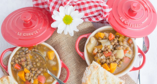 Mediterranean lentil soup with vegetables