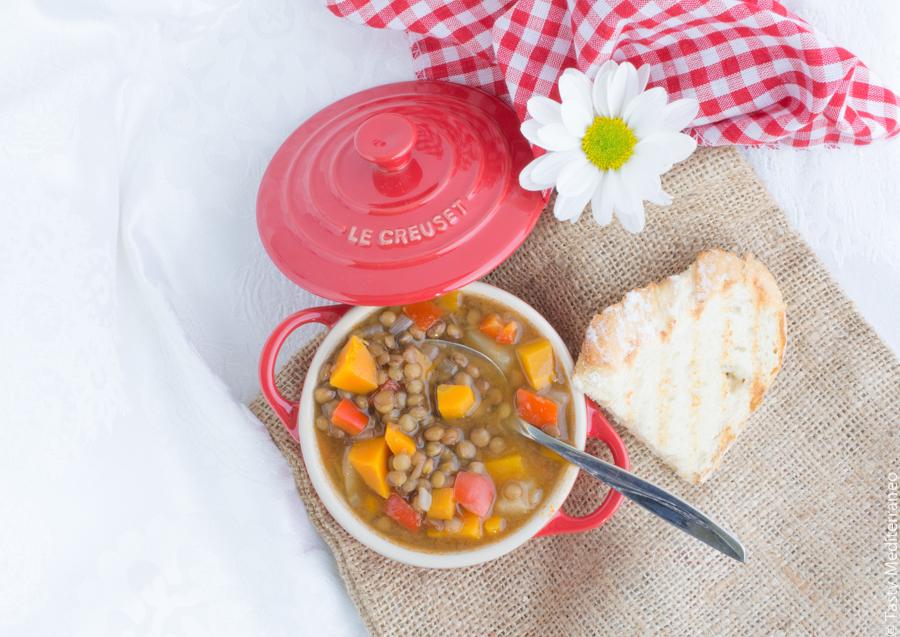 Tasty-mediterraneo-vegan-lentils-stew-recipe