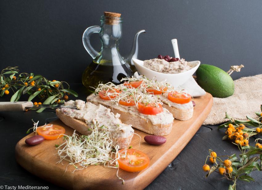 Tasty-mediterraneo-beans-avocado-tahini-toast