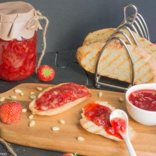 Strawberry, vanilla & pine nuts jam