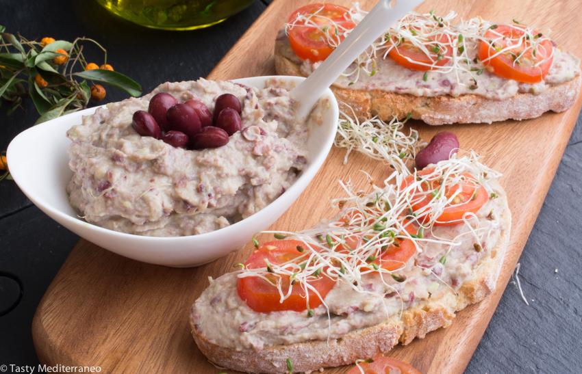 Tasty-mediterraneo-red-beans-avocado-tahine-paté