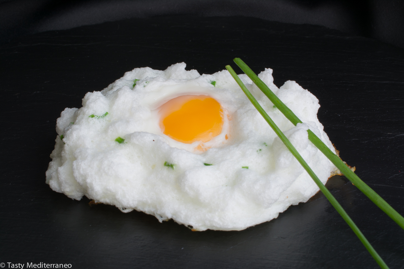 Tasty-Mediterraneo-egg-cloud-chives