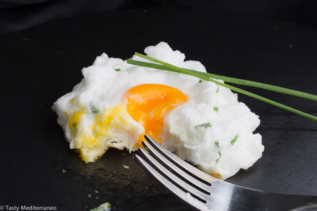 Tasty-Mediterraneo-fried-egg