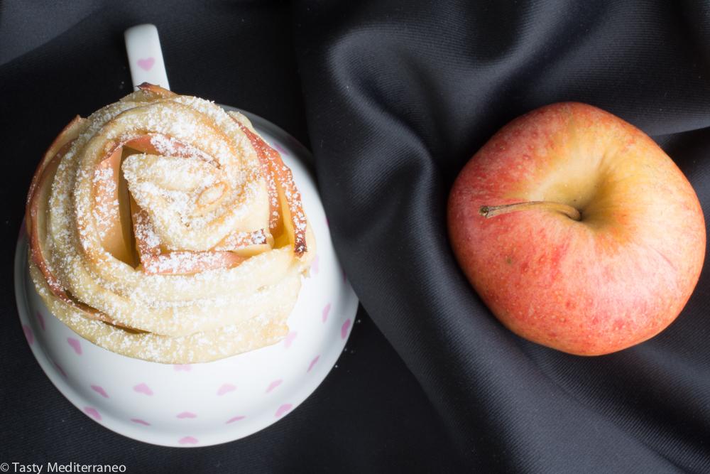 Tasty-mediterraneo-apple-roses-EVOO-dough
