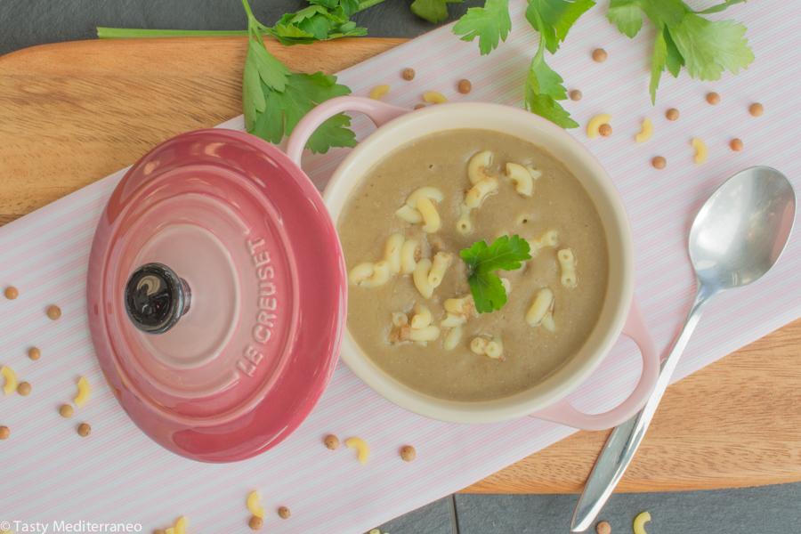 Tasty-Mediterraneo-lebanese-lentils-soup