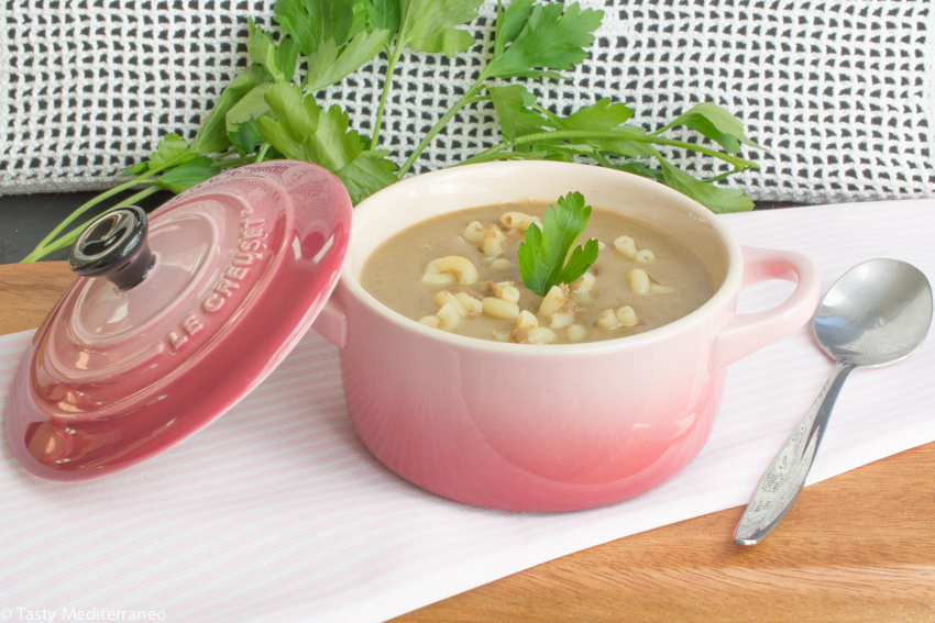 Tasty-Mediterraneo-richta-vegan-soup