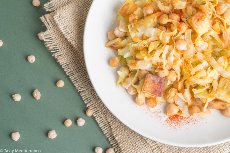 Tasty-Mediterraneo-salteado-repollo