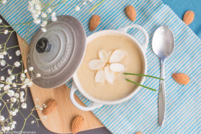 Tasty-Mediterraneo-creamy-cauliflower-soup