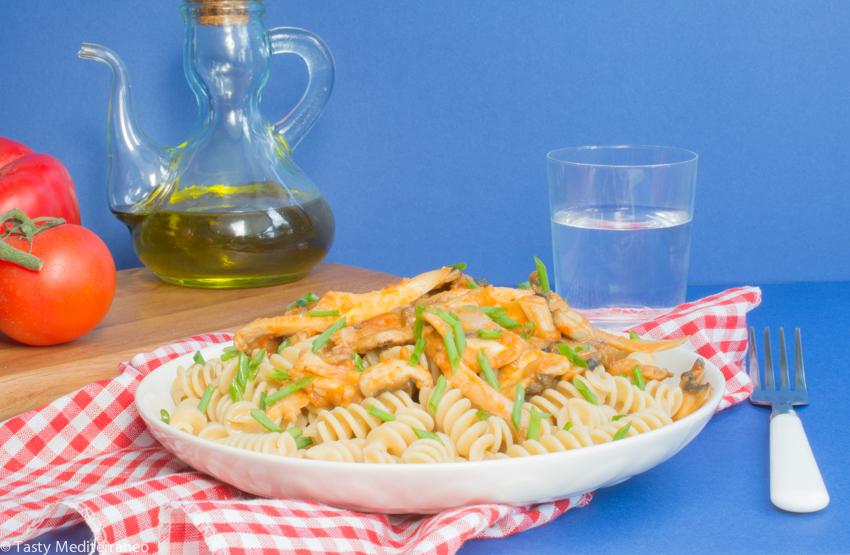 Tasty-Mediterraneo-pasta-with-mushrooms-tomato-sauce