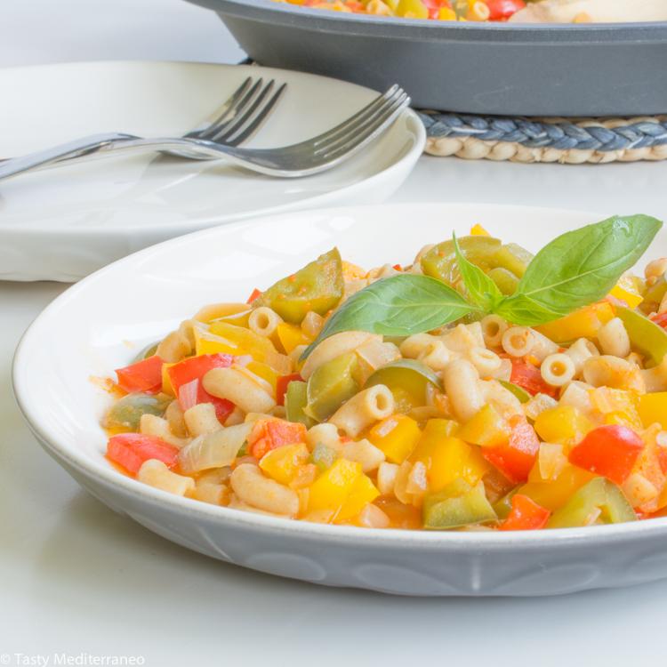 Tasty-Mediterraneo-vegan-fideua-pasta-paella