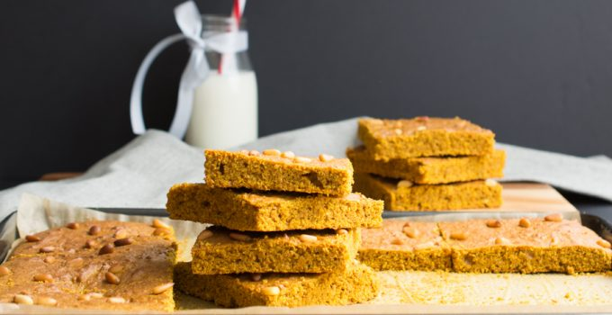 Vegan turmeric blonde brownie
