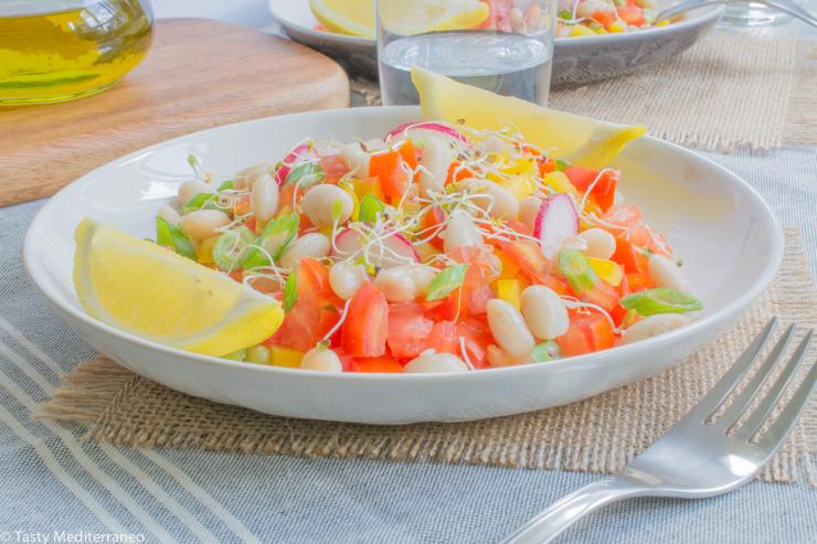 Tasty-Mediterraneo-beans-salad
