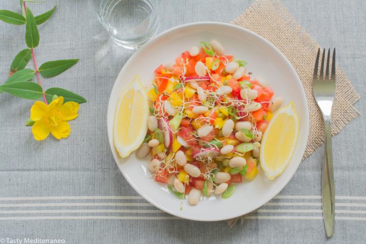Tasty-Mediterraneo-cannellini-beans-salad