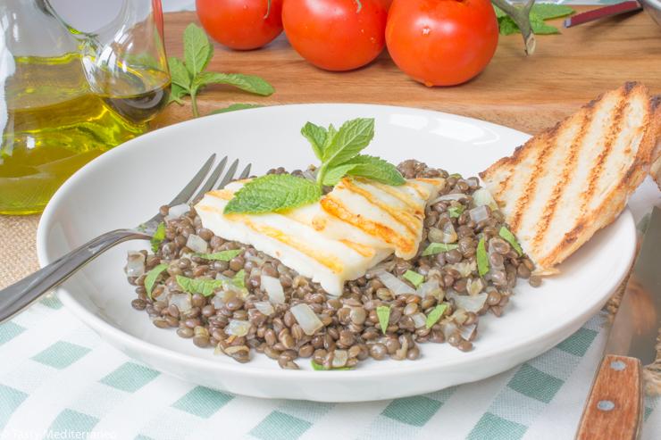 Tasty-Mediterraneo-halloumi-&-beluga-lentils