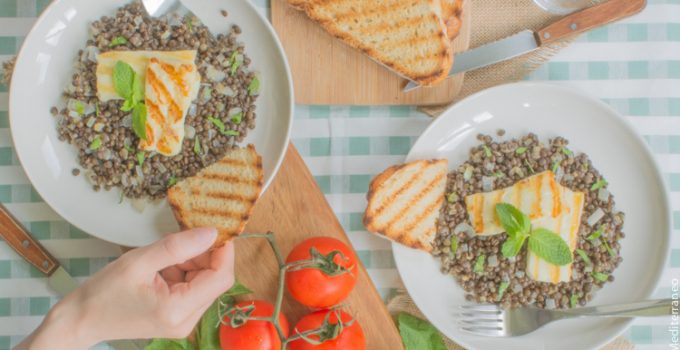 Beluga lentil with grilled halloumi & mint