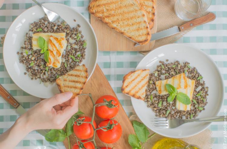 Tasty-Mediterraneo-lentils-&-grilled-halloumi