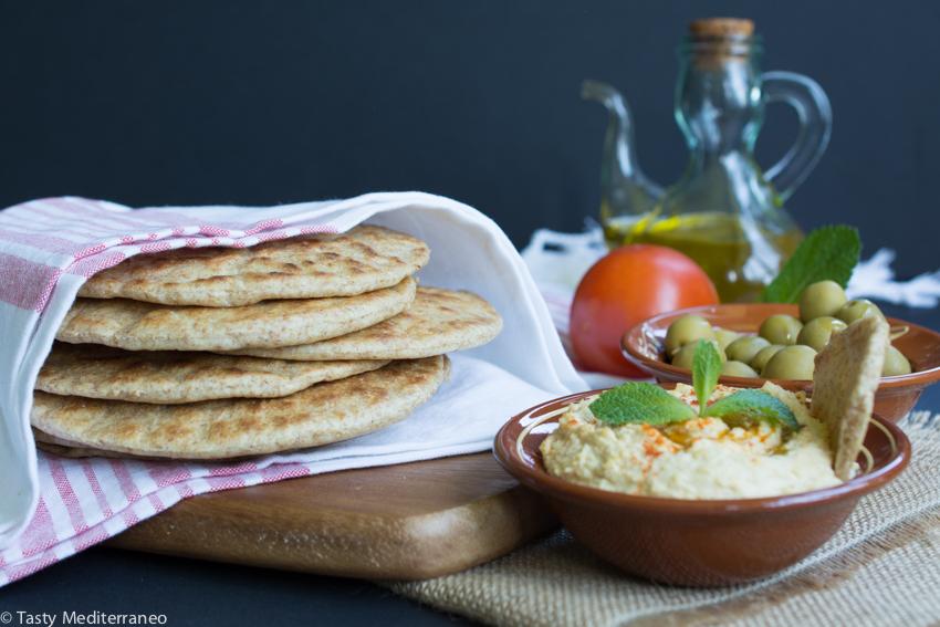 Tasty-Mediterraneo-mediterranean-pita-bread