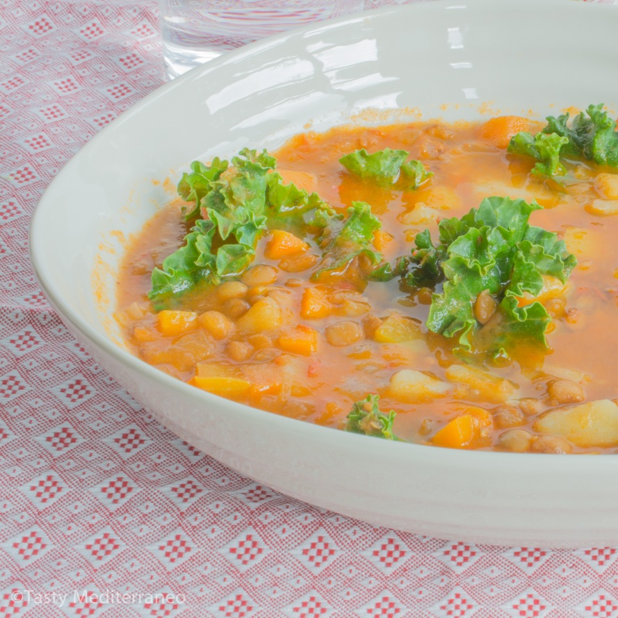 Tasty-Mediterraneo-brown-lentil-kale-soup