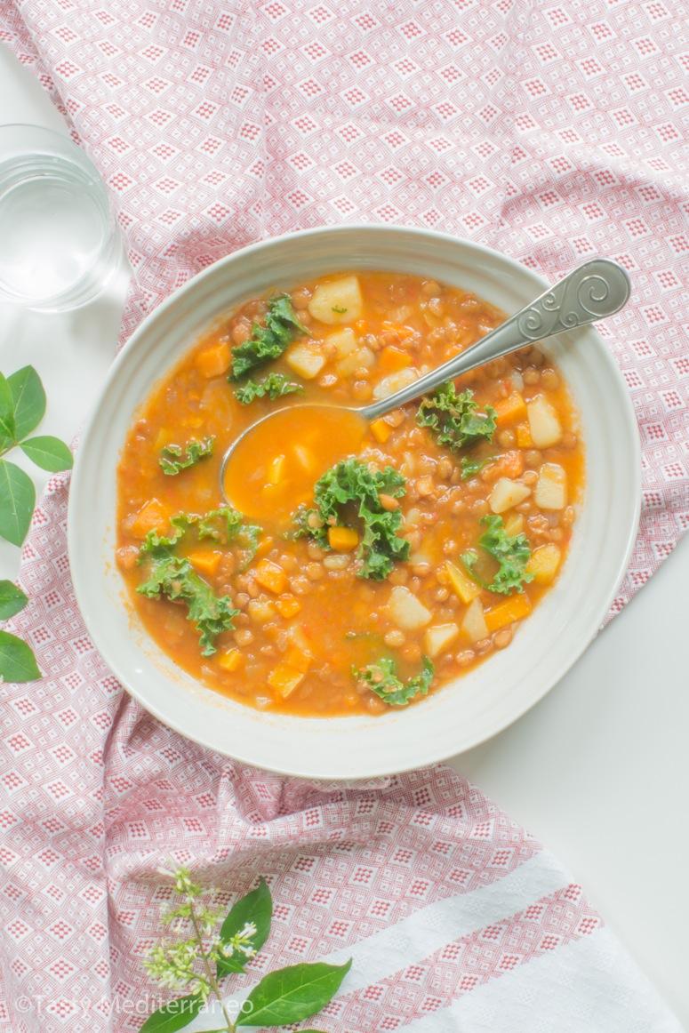 Tasty-Mediterraneo-lentils-soup