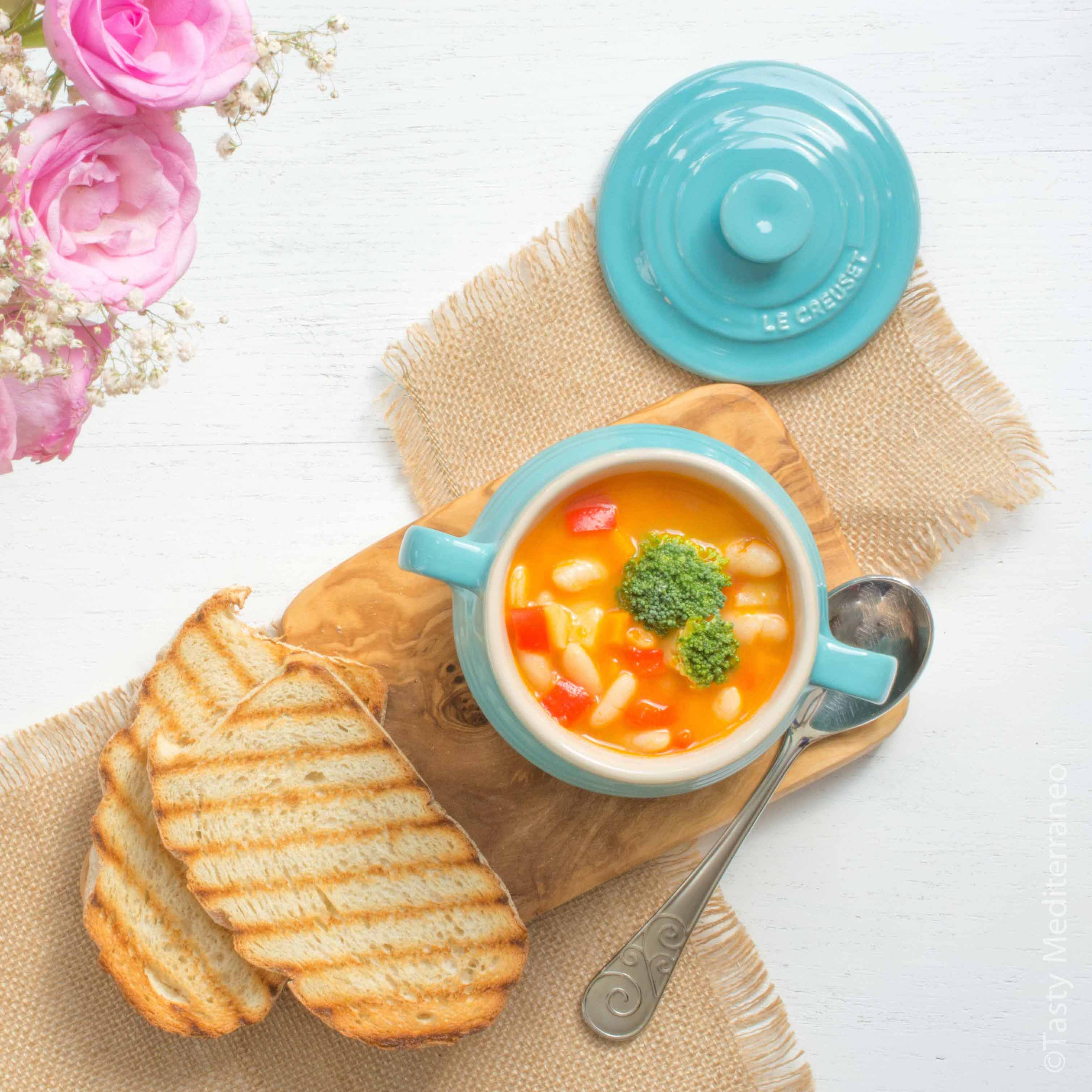 tasty-mediterraneo-white-beans-soup