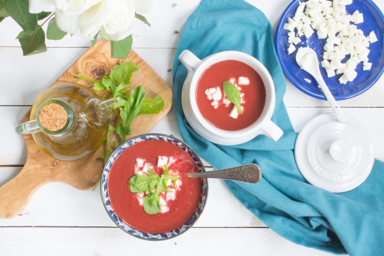 tasty-mediterraneo-beetroot-feta-arugula-soup