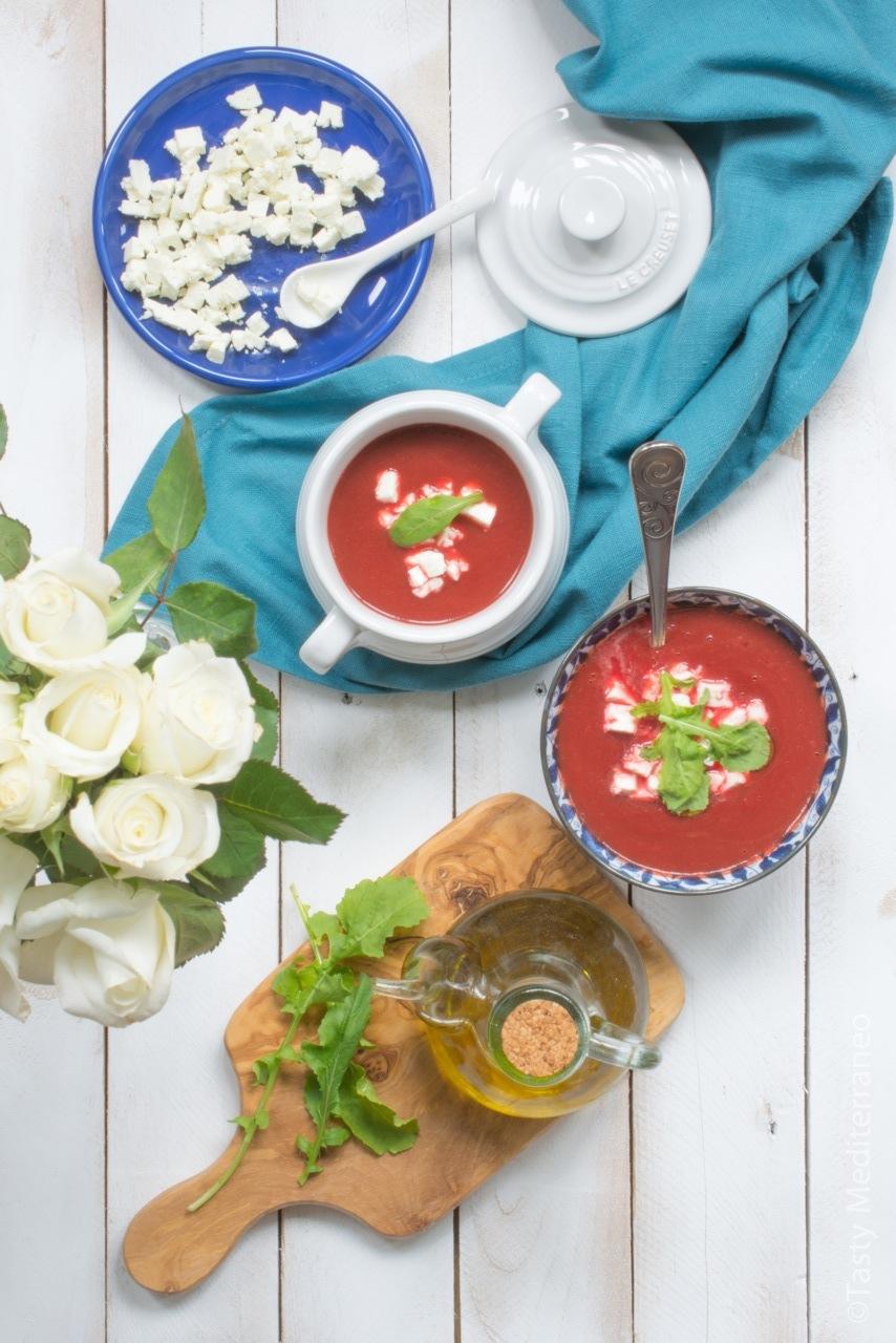tasty-mediterraneo-sopa-remolacha-feta