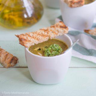 Mediterranean kale detox soup